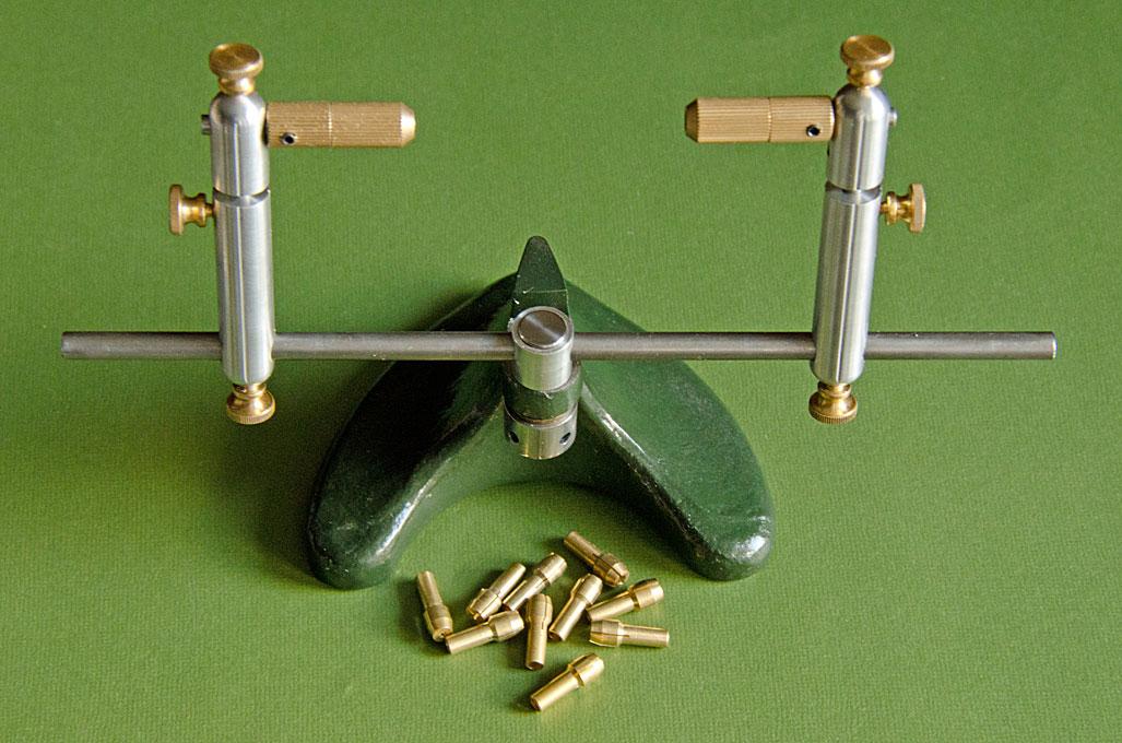https://www.maritima-et-mechanika.org/tools/thirdhand/ThirdHand-Collets.jpg
